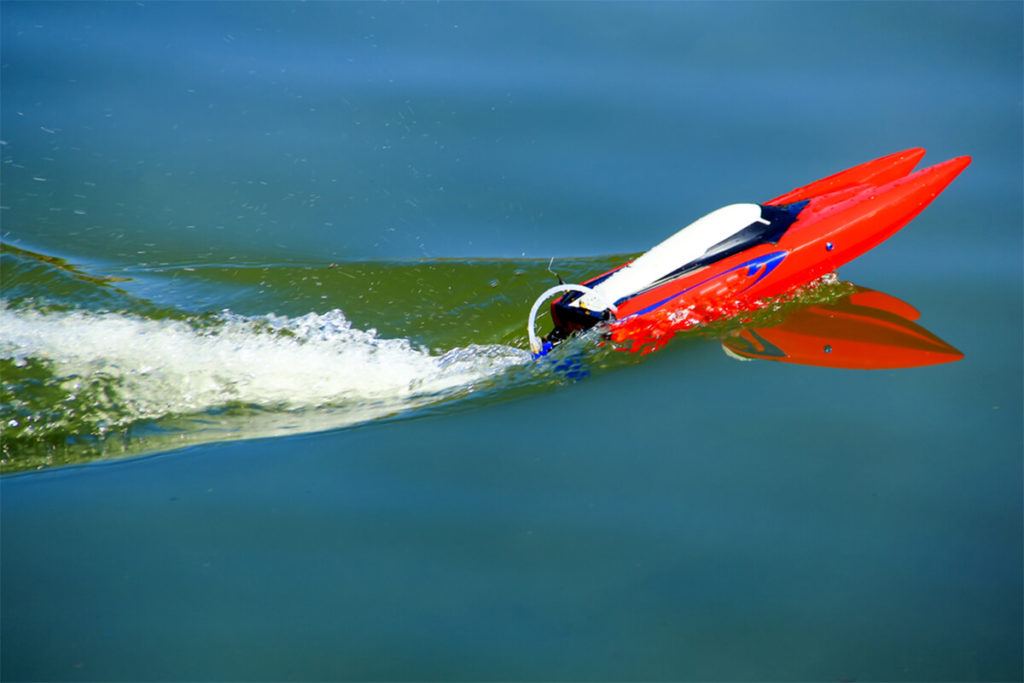 Best Rc Boats 2019 Top 7 Best Remote Control (RC) Boats in 2019: Top Brands Reviewed