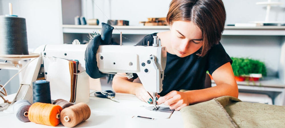 Best Heavy Duty Sewing Machines – Reviews in 2020