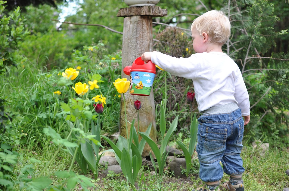 10 Best Kids Gardening Tools in 2019 [Ultimate List]