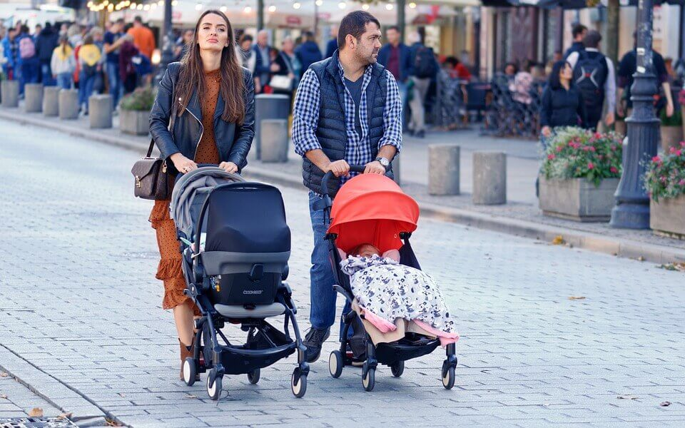 How To Choose The Right Sit and Stand Stroller? Temper and Tantrum