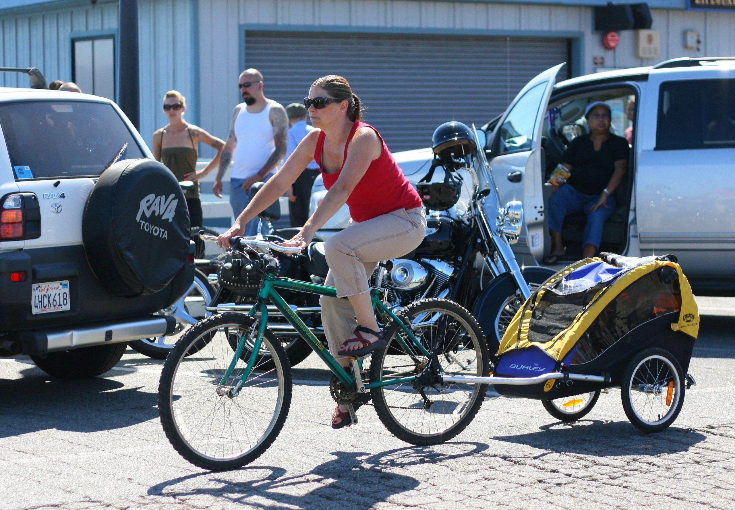 Child Bike Seats vs Bike Trailers