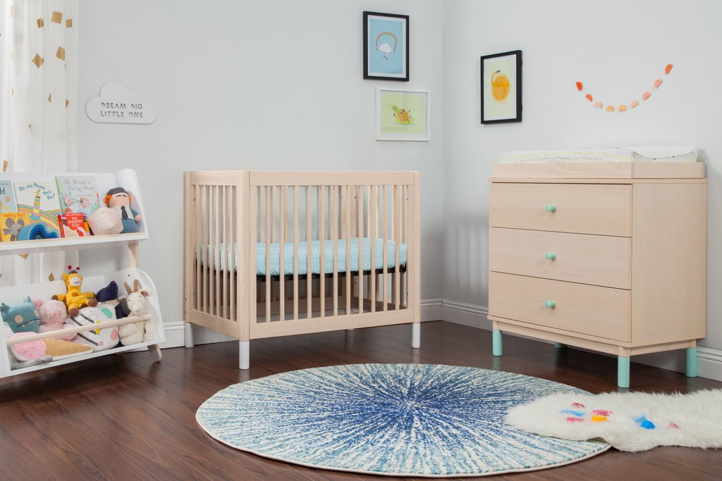 How To Choose The Right Mini Crib